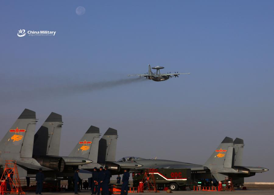 A KJ-500 airborne early warning (AEW) aircraft attached to an aviation brigade of the air force under the PLA Western Theater Command takes off for a combat sortie during the flight training exercise in the hinterland of the Kunlun Mountains in early September, 2018. (Photo/eng.chinamil.com.cn)