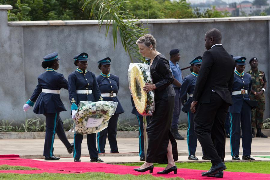 Nane Annan (2nd R, front), widow of former United Nations Secretary-General Kofi Annan, lays a wreath during Annan\'s state funeral in Accra, Ghana, on Sept. 13, 2018. A number of African and world leaders joined Ghanaian President Nana Akufo-Addo here on Thursday to bid farewell to former United Nations Secretary-General Kofi Annan, who passed away in Switzerland on Aug. 18. (Xinhua/Fred Bonsu)