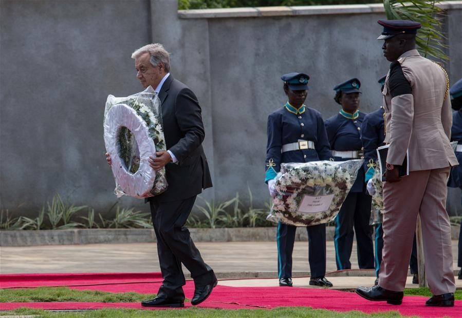 United Nations Secretary-General Antonio Guterres (1st L) lays a wreath for his late colleague Kofi Annan during Annan\'s state funeral in Accra, Ghana, on Sept. 13, 2018. A number of African and world leaders joined Ghanaian President Nana Akufo-Addo here on Thursday to bid farewell to former United Nations Secretary-General Kofi Annan, who passed away in Switzerland on Aug. 18. (Xinhua/Fred Bonsu)