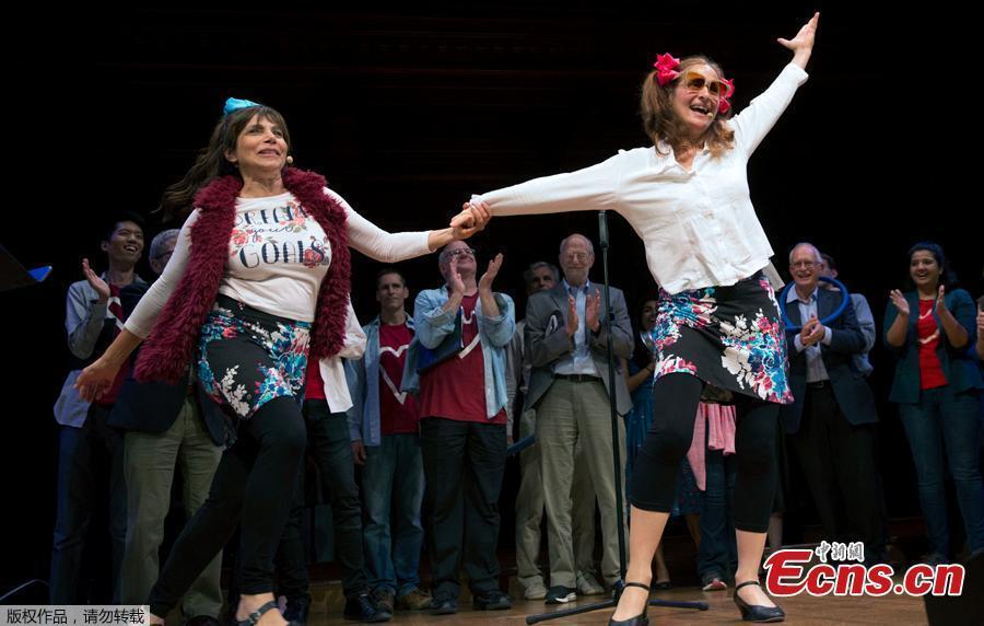 Maria Ferrante, right, and Jan Hadland perform in the Broken Heart Opera during Ig Nobel award ceremonies at Harvard University in Cambridge, Mass., Thursday, Sept. 13, 2018. (Photo/Agencies)