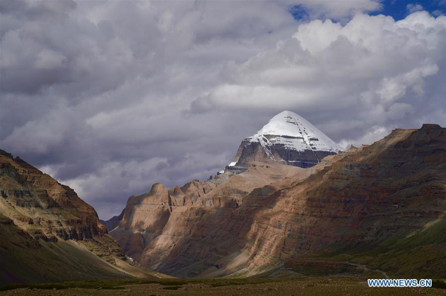 Photo taken on Sept. 9, 2018 shows a view of 6,656-meter-high Mount Kangrinboqe, main peak of the Gangdise Range, in Pulan County of Ali Prefecture, southwest China\'s Tibet Autonomous Region. (Xinhua/Purbu Zhaxi)