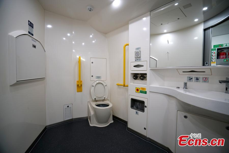 A view of a toilet of a high-speed train used for the Guangzhou-Shenzhen-Hong Kong Express Rail Link, Sept. 23, 2018. (Photo: China News Service/Zhang Wei)