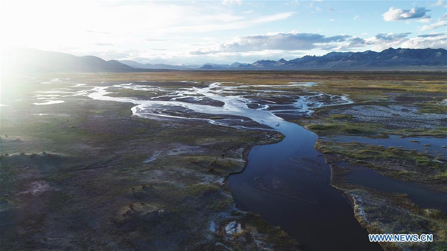 Aerial photo taken on Sept. 9, 2018 shows the scenery of a wetland in Ngari, southwest China\'s Tibet Autonomous Region. The Ngari area has an average altitude of over 4,000 meters above sea level. (Xinhua/Purbu Zhaxi)