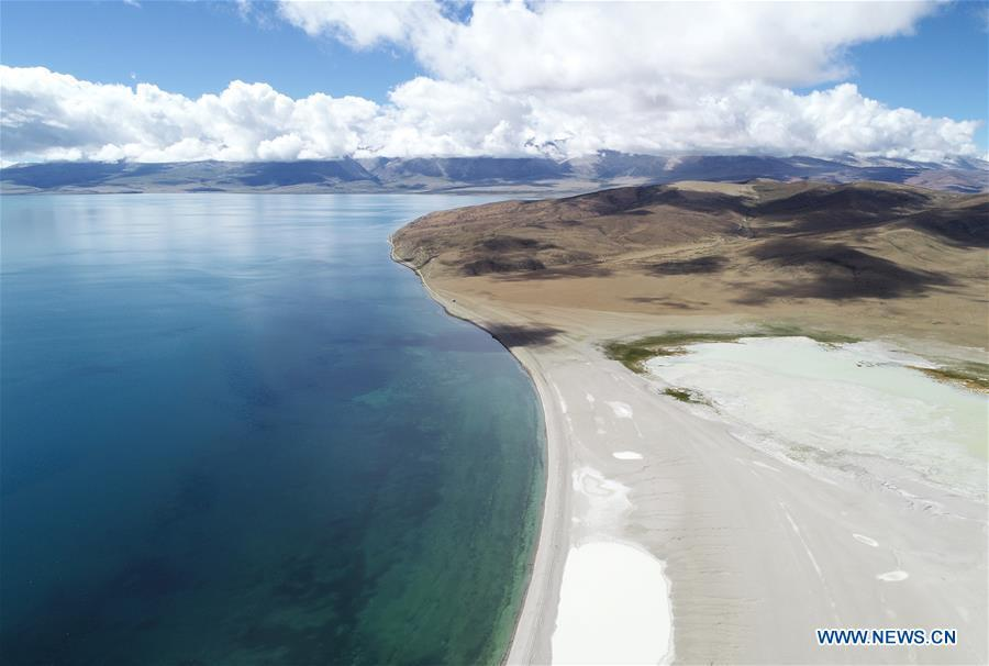 Aerial photo taken on Sept. 9, 2018 shows a view of Lake Manasarovar in Ngari, southwest China\'s Tibet Autonomous Region. The Ngari area has an average altitude of over 4,000 meters above sea level. (Xinhua/Purbu Zhaxi)