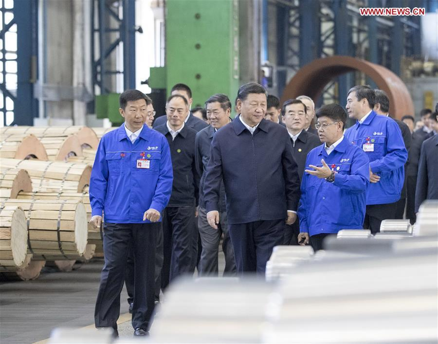 Chinese President Xi Jinping, also general secretary of the Communist Party of China (CPC) Central Committee and chairman of the Central Military Commission, visits a workshop of China First Heavy Industries (CFHI) in Qiqihar, northeast China\'s Heilongjiang Province, Sept. 26, 2018. Xi inspected Qiqihar on Wednesday. (Xinhua/Wang Ye)