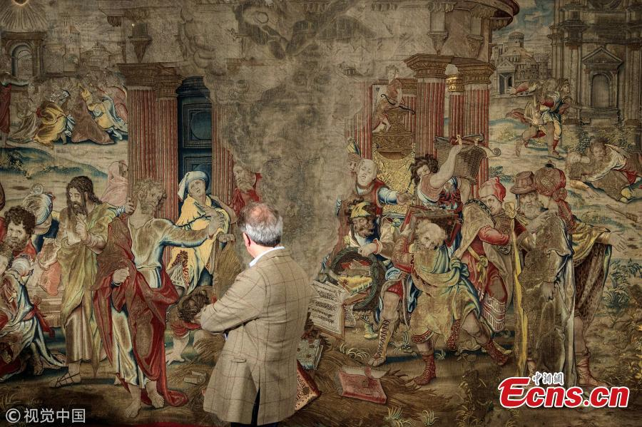 A tapestry commissioned by Henry VIII in the 1530s and thought to have been destroyed has been uncovered in Spain. It was the King\'s prized possession and ultimate show of wealth - 20 ft wide and woven with gold and silver. It was last seen in Windsor Castle in 1770. (Photo/VCG)