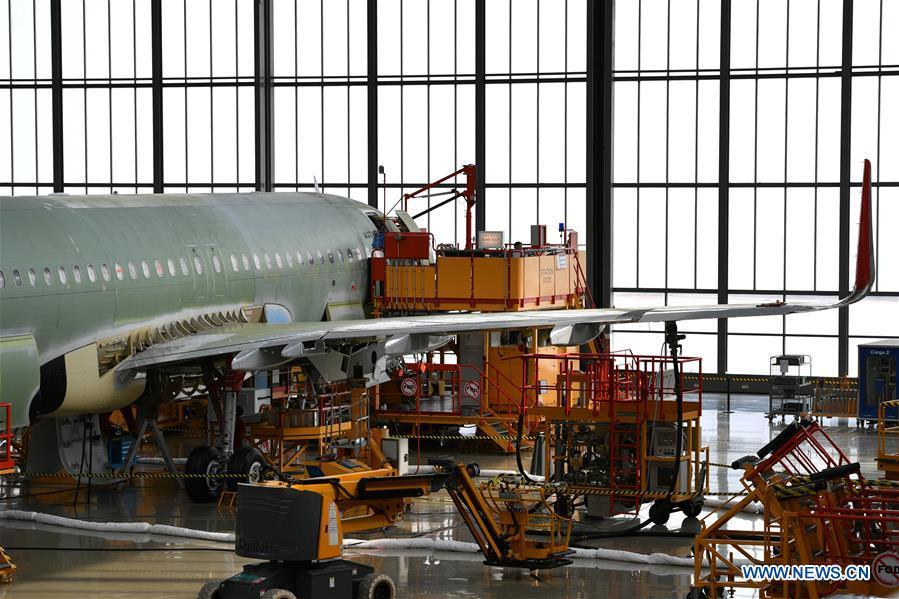 Photo taken on Sept. 27, 2018 shows a plane at Airbus\' Tianjin final assembly line for the A320-family of jets in north China\'s Tianjin. From the time it was established in 2008 until the end of this August, the Tianjin final assembly line assembled and delivered a total of 378 A320s. (Xinhua/Li Ran)