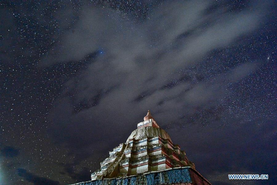 Photo taken on Sept. 11, 2018 shows the starry sky in Ngari, southwest China\'s Tibet Autonomous Region. The Ngari area has an average altitude of over 4,000 meters above sea level. (Xinhua/Purbu Zhaxi)