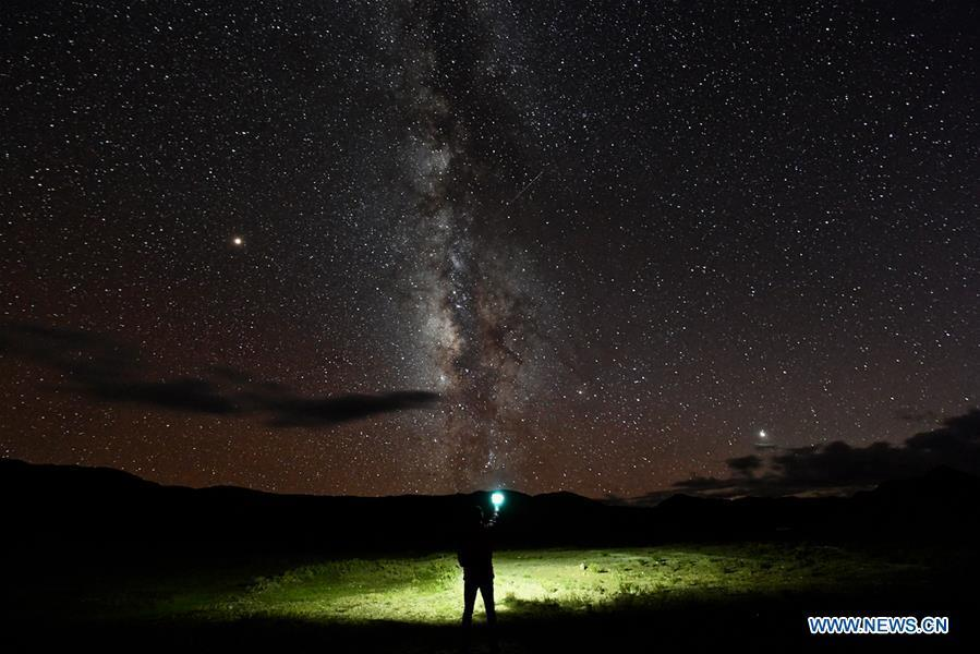 Photo taken on Sept. 12, 2018 shows the starry sky in Ngari, southwest China\'s Tibet Autonomous Region. The Ngari area has an average altitude of over 4,000 meters above sea level. (Xinhua/Purbu Zhaxi)