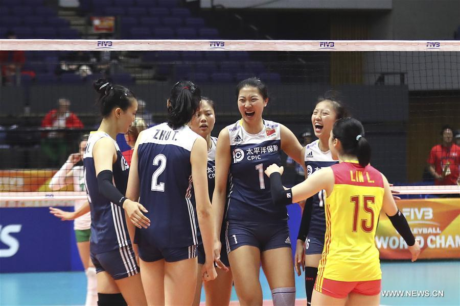 Players of China celebrate after winning the Pool B match against Bulgaria at the 2018 Volleyball Women\'s World Championship in Sapporo, Japan, Oct. 3, 2018. China won 3-1. (Xinhua/Du Xiaoyi)