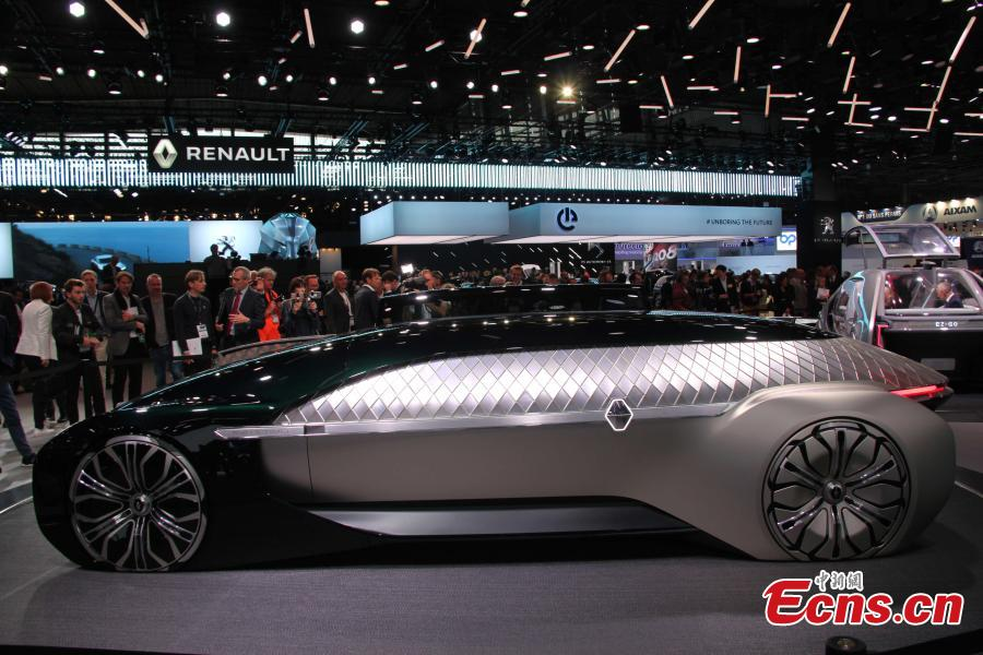 A Renault EZ-Ultimo autonomous electric concept car is presented during the Paris Motor Show. (Photo: China News Service/Li Yang)