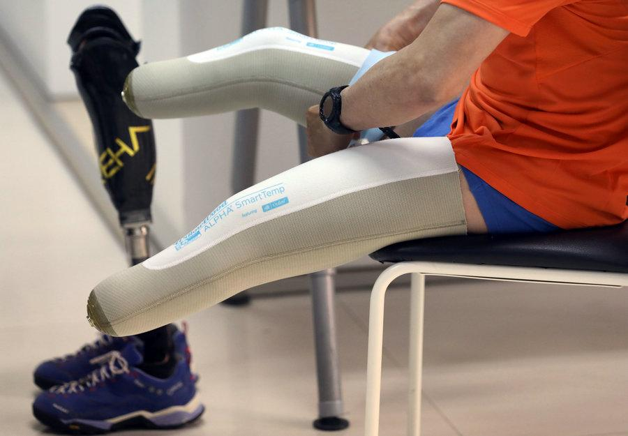 The silicon rubber case of Xia\'s below-knee prothesis.(Photo/China Daily)