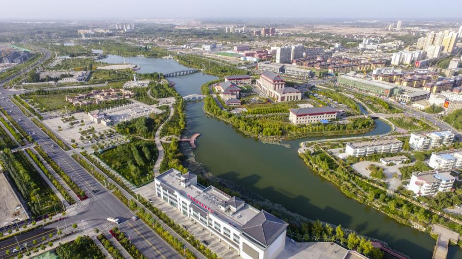 An aerial photo shows the second phase of the Duolang River improvement project in Aksu, Northwest China\'s Xinjiang Uyghur autonomous region, Sept 21, 2018. (Photo/Xinhua)
