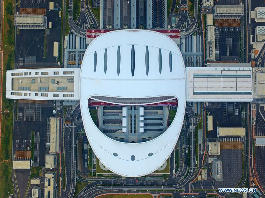 Aerial photo shows the Zhuhai Port of Hong Kong-Zhuhai-Macao Bridge in Zhuhai, south China\'s Guangdong Province, Oct. 19, 2018. Customs clearance between Macao and Zhuhai will be carried out on a \