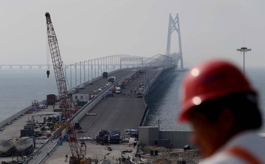 The bridge seen during construction in November 2017. (Photo by ROY LIU/CHINA DAILY)