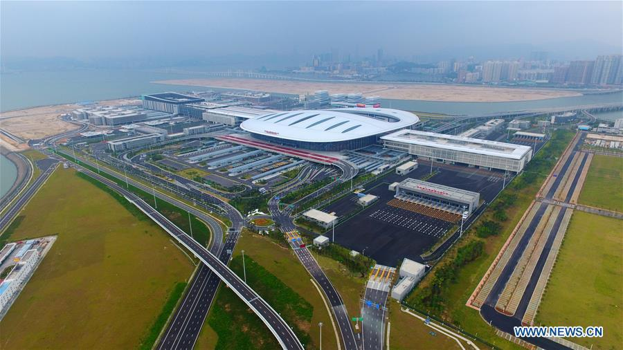 Aerial photo taken on Oct. 24, 2018 shows the Zhuhai Port of the Hong Kong-Zhuhai-Macao Bridge in Zhuhai, south China\'s Guangdong Province. The bridge officially opened to traffic at 9 a.m. on Oct. 24. (Xinhua/Liang Xu)