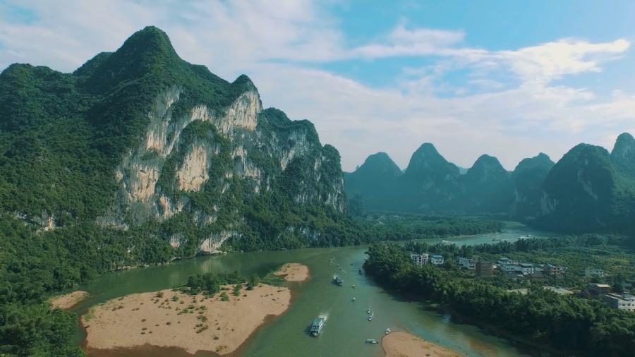 Li River, Guilin\'s mother river. (Photo/CGTN)  There\'s an old Chinese proverb, saying \