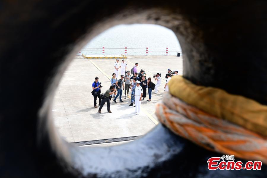 The captain of the PLA Navy's Guangzhou destroyer talks to reporters during a media day for a China-ASEAN military drill in Zhanjiang City, South China's Guangdong Province, Oct. 24, 2018. (Photo: China News Service/Chen Wen)