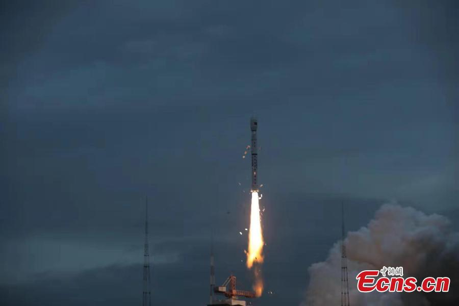 A Long March-4B carrier rocket with HY-2B, a new satellite for ocean observation, blasts off from the Taiyuan Satellite Launch Center in Shanxi Province, Oct. 25, 2018. (Photo: China News Service/Zheng Taotao)