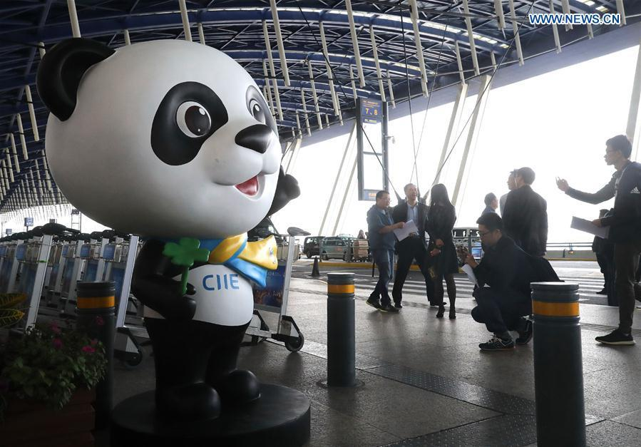 Jinbao, the mascot for the first China International Import Expo (CIIE) greets people at Pudong International Airport in Shanghai, east China, Oct. 25, 2018. The CIIE will be held in Shanghai on Nov. 5-10. (Xinhua/Chen Fei)
