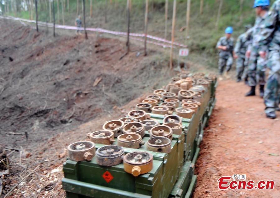 Mines found a mine clearance operation in border city of Pingxiang, South China\'s Guangxi Zhuang Autonomous Region. The PLA soldiers detonated on Thursday, Oct. 25, 2018 the last mine in a minefield in Pingxiang. The operation marked the completion of a years-long landmine-sweeping mission in the Guangxi section of the Sino-Vietnam border, clearing the dangerous historical legacy that has hindered border development. (Photo: China News Service/Jiang Xuelin)