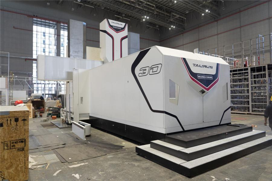 A gantry milling machine called Taurus by Waldrich Coburg is seen at the National Exhibition and Convention Center (Shanghai). (Photo/chinadaily.com.cn)