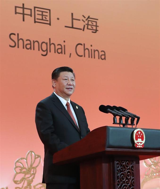 Chinese President Xi Jinping addresses a banquet in Shanghai, east China, Nov. 4, 2018. Xi Jinping and his wife Peng Liyuan hosted a banquet on Sunday evening in Shanghai to welcome distinguished guests from around the world, who will attend the first China International Import Expo (CIIE) opening Monday. (Xinhua/Xie Huanchi)