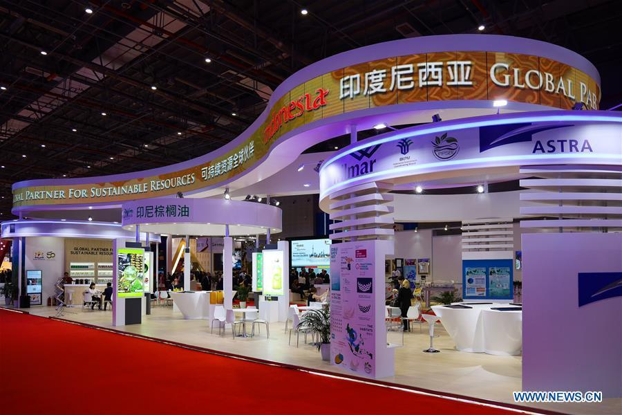Photo taken on Nov. 5, 2018 shows the Indonesia pavilion during the first China International Import Expo (CIIE) in Shanghai, east China. A total of 82 countries and three international organizations showcased their achievements in economic and trade development as well as competitive products at 71 booths in the Country Pavilion for Trade and Investment at the CIIE. (Xinhua/Liu Dawei)