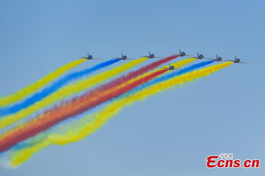 Red Eagle air show team from PLA Air Force Aviation University performs at the 12th China International Aviation and Aerospace Exhibition (Airshow China) opened in the southern port city of Zhuhai, Guangdong Province on November 6, 2018.  (Photo: China News Service/ Chen Jimin)