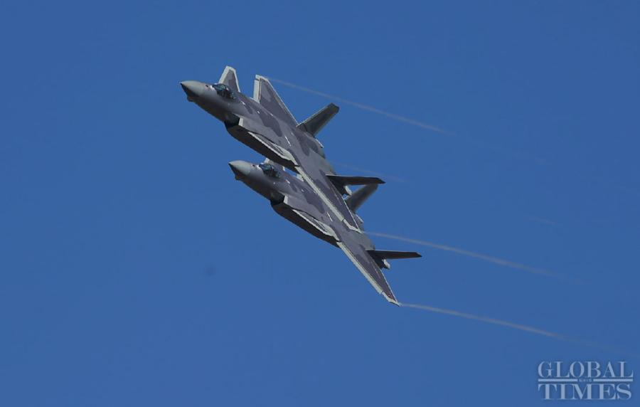 China\'s most advanced stealth fighter jet, the J-20, performs at the China International Aviation and Aerospace Exhibition which kicked off in Zhuhai, South China\'s Guangdong Province, on Nov. 6. The exhibition is scheduled to be held from Nov. 6 to 11. (Photos: Cui Meng/GT)