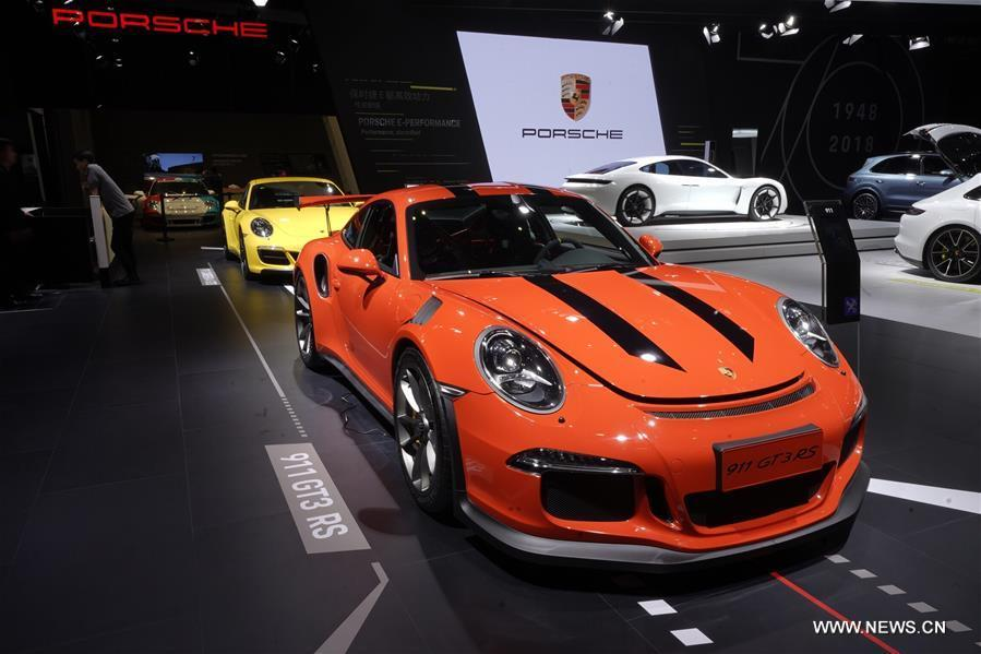 Photo taken on Nov. 7, 2018 shows a 911 GT3 RS of Porsche at the first China International Import Expo (CIIE) in Shanghai, east China. (Xinhua/Xing Guangli)