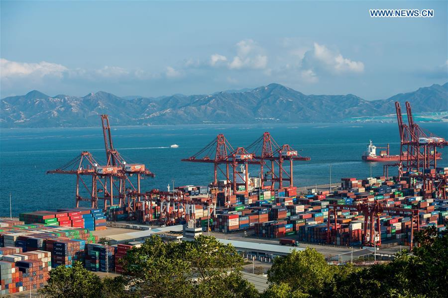 A view of the Shekou Harbor is seen in the Qianhai and Shekou Area of the China (Guangdong) Pilot Free Trade Zone in Shenzhen City, south China\'s Guangdong Province, Feb. 26, 2015. (Xinhua/Mao Siqian)