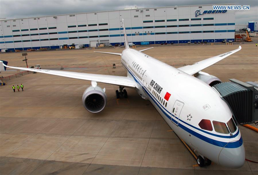 A Boeing 787-9 Dreamliner is seen at the Boeing Charleston factory in South Carolina, the United States, May 18, 2016. Air China received the first Boeing 787-9 Dreamliner May 18, 2016. (Xinhua)