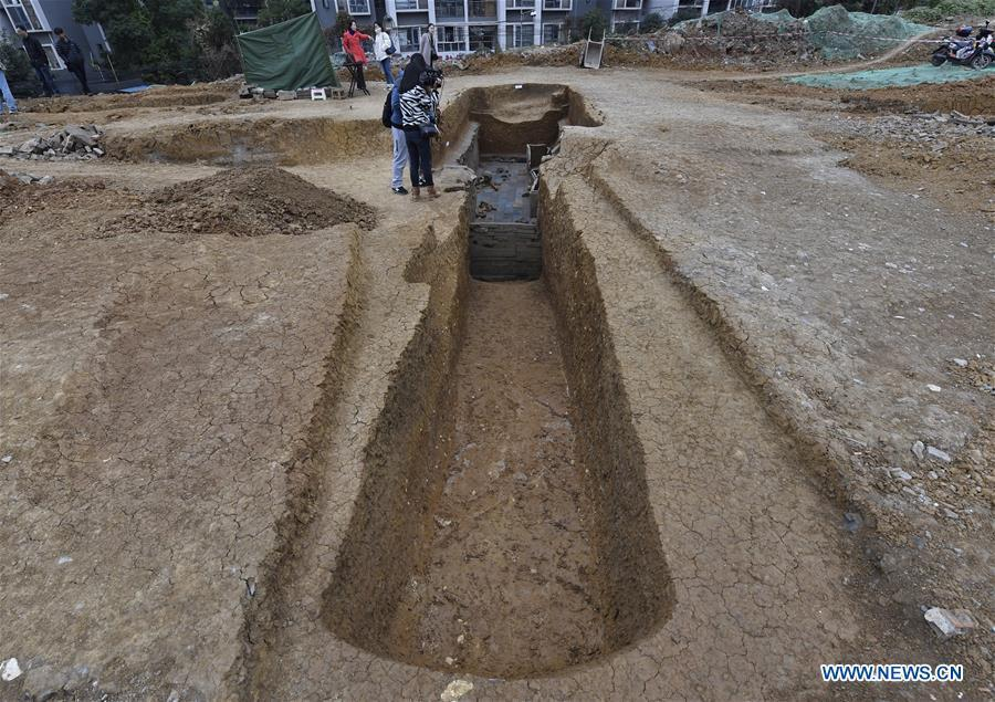 Photo taken on Nov. 15, 2018 shows the passage of a tomb dated from the Eastern Han Dynasty (25-220) discovered in Chenghua District of Chengdu, capital of southwest China\'s Sichuan Province. Altogether four tombs from the Eastern Han Dynasty (25-220) were discovered here in October this year, according to the Chengdu cultural relics and archeology research institute. (Xinhua/Liu Kun)