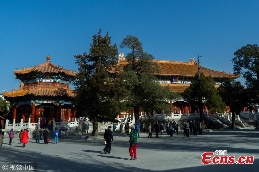 Shouhuang Palace in Jingshan Park, the second largest architectural complex on the central axis of Beijing, opened to the public in November, 2018 after four-year renovation. The latest renovation of the architecture began in 2014, which helped to restore the complex to its original look. Shouhuang Palace was first built in 1749 in the Qing Dynasty during the reign of Emperor Qianlong (1711-1799). Its total area of over 21,000 square meters is only surpassed by the Forbidden Palace, and it was the last architectural complex on the city\'s central axis to open to the public. Jingshan Park was one of the 14 heritage spots the city decided to include in the application for the central axis to become a World Cultural Heritage Site, and its renovation became a major project during this process. At present, the central axis has been included on the tentative list of the World Cultural Heritage Sites.(Photo/VCG)
