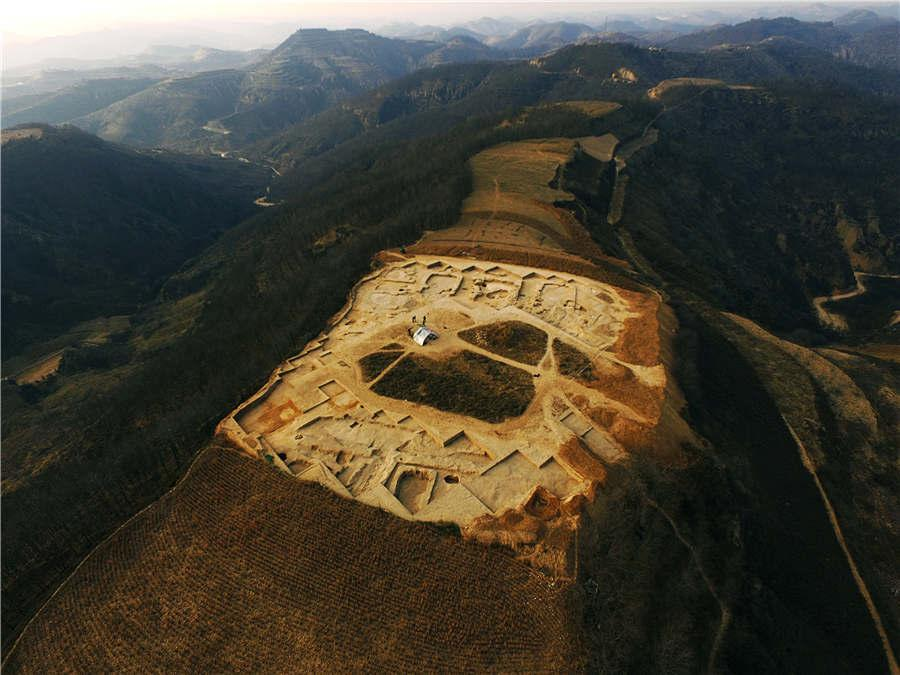 An aeriel view of the Lushanmao historic relics site in the Baota district of Yan\'an city, Northwest China\'s Shaanxi Province. (Photo provided to chinadaily.com.cn)