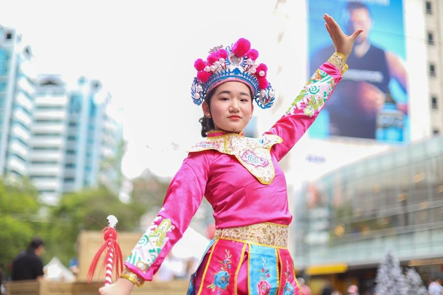 A young Chinese opera performer poses as she participates in the parade on Nov. 24, 2018. (Photo/Chinaculture.org)
