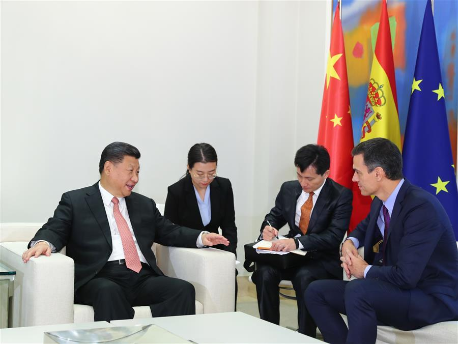 Chinese President Xi Jinping (L) meets with Spanish Prime Minister Pedro Sanchez in Madrid, Spain, Nov. 28, 2018. (Xinhua/Xie Huanchi)