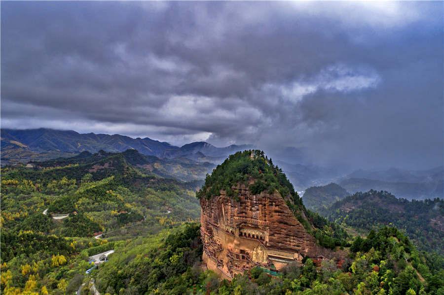 Maiji Mountain in Tianshui city of Gansu Province.  (Photo provided to chinadaily.com.cn)