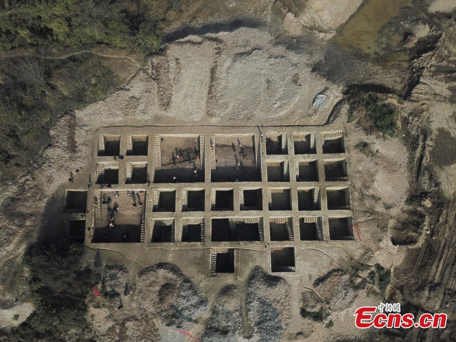 The aerial photo shows an archaeological site along a trans-provincial water diversion project in in Lujiang county, East China's Anhui province. A total of 44 cultural sites are found and put under protection at Anhui section of the water diversion project. (Photo: China News Service/Li Feng)