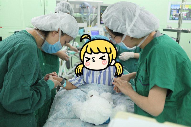 Yanyan, 3, receives medical treatment at a hospital in Nanjing, East China\'s Jiangsu Province. (Photo/provided to chinadaily.com.cn)