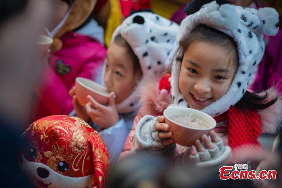Eating porridge  Warm porridge could help increase one\'s personal heat and nourish the body in cold weather. In China, there is custom to eat red bean porridge on the first day of Winter Solstice and eight-treasure porridge on the eighth day of the last month of the lunar year. In addition, there are other porridges such as wheat porridge, sesame porridge, radish porridge, walnut porridge and tuckahoe porridge.