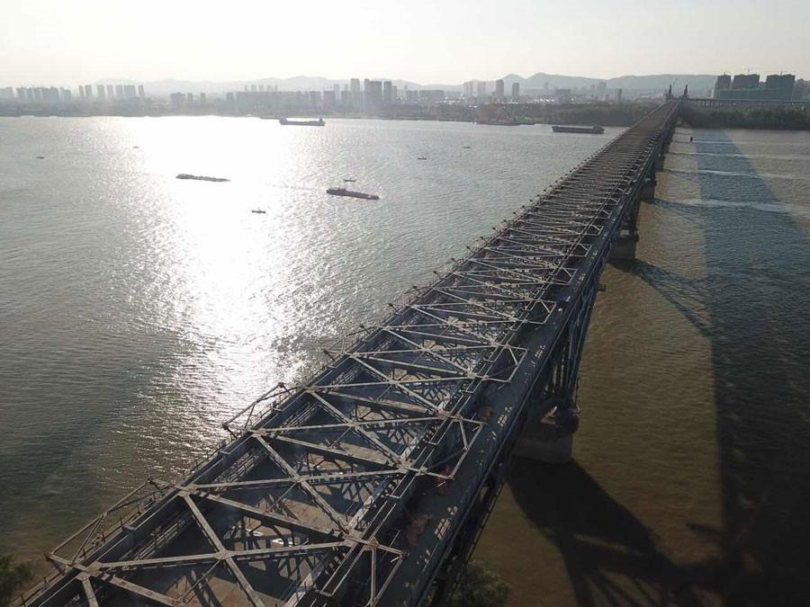 The Nanjing Yangtze River Bridge is reopening by the end of the year after 27 months of renovation.