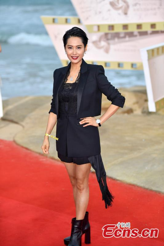 Hong Kong actress and singer Athena Chu arrives for the first Hainan International Film Festival in Sanya City, Hainan Province, Dec. 16, 2018. The film festival is one of a series of events in Hainan as the city seeks to build itself into a pilot free trade zone and a free trade port. (Photo: China News Service/Luo Yunfei)