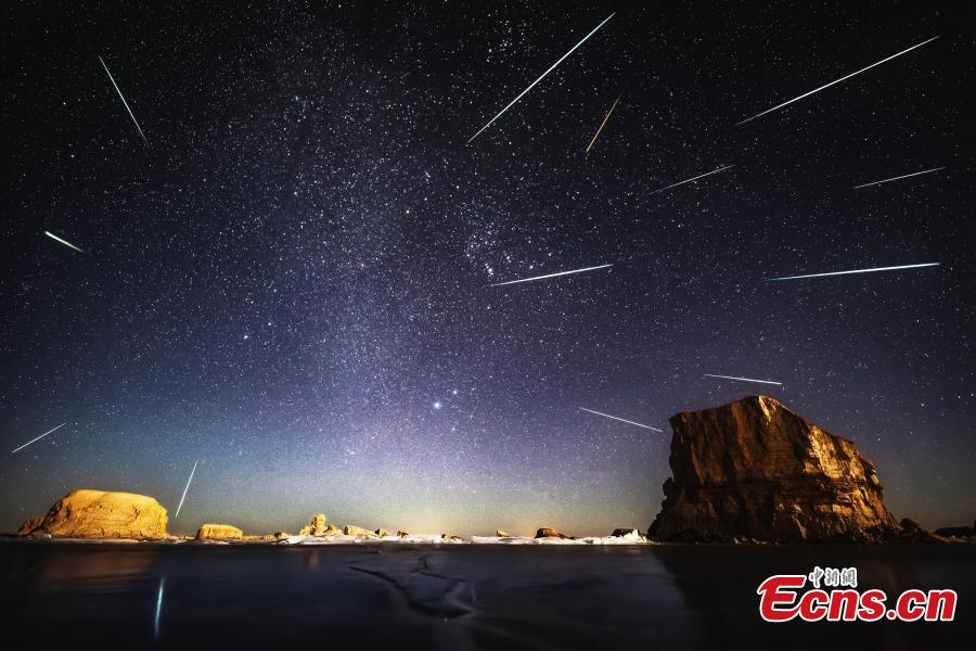 Photo taken by Zhu Jiannan shows the Milky Way over the Wusute Yardang Geopark in Haixi Mongol and Tibetan Autonomous Prefecture, Northwest China\'s Qinghai Province. (Photo: China News Service)
