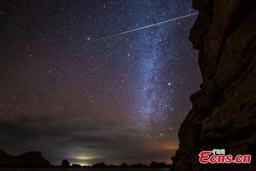 Photo taken by Wang Zheng shows the Milky Way over the Wusute Yardang Geopark in Haixi Mongol and Tibetan Autonomous Prefecture, Northwest China\'s Qinghai Province. (Photo: China News Service)