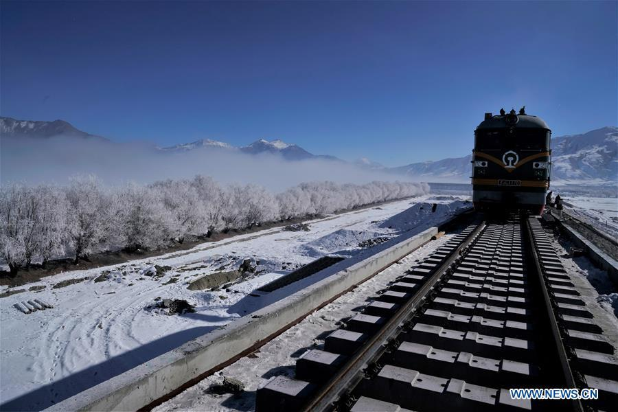 Photo taken on Dec. 23, 2018 shows a construction site on the Lhasa-Nyingchi section of the Sichuan-Tibet Railway in southwest China\'s Tibet Autonomous Region. The Sichuan-Tibet Railway will be the second railway into southwest China\'s Tibet Autonomous Region after the Qinghai-Tibet Railway. The line will go through the southeast of the Qinghai-Tibet Plateau, one of the world\'s most geologically active areas. (Xinhua/Purbu Zhaxi)