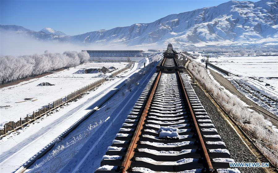 Photo taken on Dec. 23, 2018 shows a construction site on the Lhasa-Nyingchi section of the Sichuan-Tibet Railway in southwest China\'s Tibet Autonomous Region. The Sichuan-Tibet Railway will be the second railway into southwest China\'s Tibet Autonomous Region after the Qinghai-Tibet Railway. The line will go through the southeast of the Qinghai-Tibet Plateau, one of the world\'s most geologically active areas. (Xinhua/Chogo)