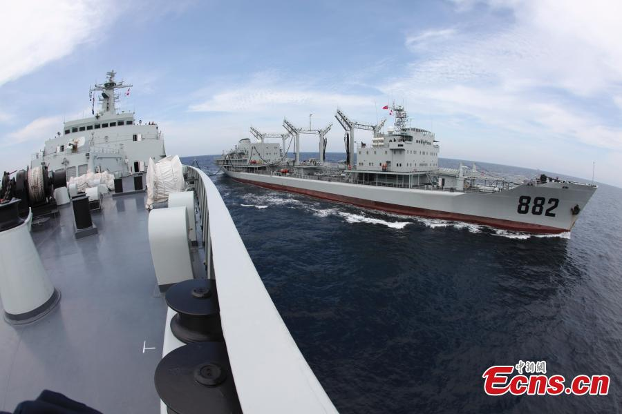 A 10,000-ton class warship of the 6th fleet of Chinese Navy in July 2010. (Photo: China News Service/Zhong Kuiru)