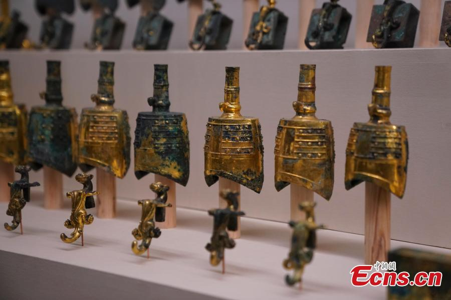 Cultural relics retrieved after being stolen from ancient tombs in Chunhuan County, Shaanxi Province are on display at an exhibition at the National Museum of China in Beijing, Dec. 26, 2018. The exhibition displays 750 precious artifacts retrieved during police efforts in recent years fighting crime involving stolen cultural treasures, which hail from Neolithic times through to the Qing Dynasty. (Photo: China News Service/Du Yang)
